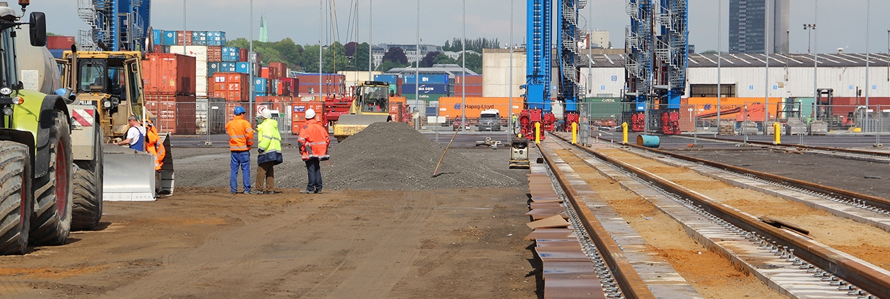 Container Terminal 1127